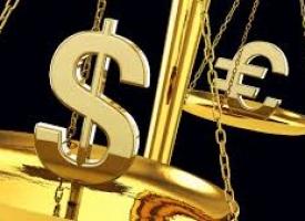 Менять валюту сбережений на фоне изменений курсов доллара и евро не стоит