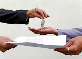 Два столичных агентства недвижимости остались без лицензий